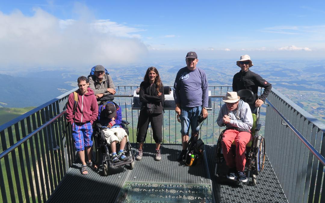 Den Hausberg Stockhorn entdecken mit geländegängigen Rollstühlen!